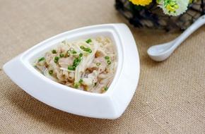 Canh thịt nấu nấm ngọt thơm mát lành