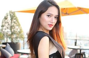 Hương Giang Idol mặc hở hang, để lộ nội y