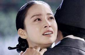 """""""Ok Jung"""" Kim Tae Hee bị """"ném đá"""" vì không chịu... xấu!"""