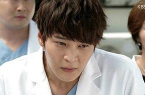 Joo Won cứu sống một cậu bé định tự tử