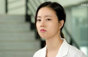 Moon Chae Won ghen khi Joo Won thân mật với cô gái khác