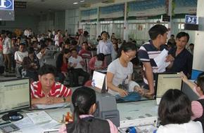 Mua vé tàu tết 2014 tại ga Sài Gòn: Hết số thứ tự, người dân có thể đặt chỗ trên mạng