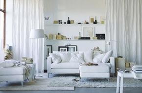 Chọn lựa và trang trí kệ cực xinh cho phòng khách