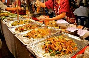 Lạc vào chợ đêm sôi động ở Chiang Mai