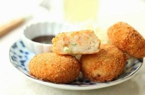 Bánh cá hồi giòn thơm đổi món cho bữa sáng