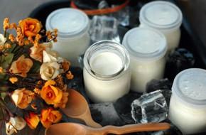 Cách làm sữa chua phô mai ngon lạ cho hè này