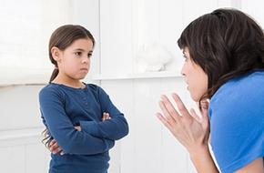 Dạy con bằng hình phạt là sai lầm lớn của cha mẹ