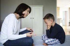 Làm thế nào để cha mẹ không trút giận lên đầu trẻ?