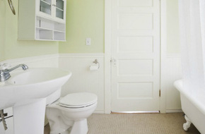 Chỉ có phụ nữ vụng về mới chùi dọn nhà tắm quá 5 phút