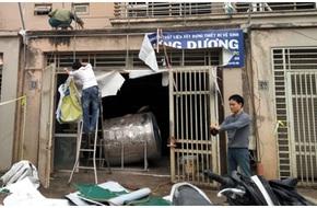 KĐT Văn Phú 3 ngày sau vụ nổ: Người dân chung tay sửa chữa nhà cửa, khắc phục hậu quả