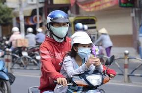 Nắng Sài Gòn lên 36 độ, trẻ con ho và tiêu chảy