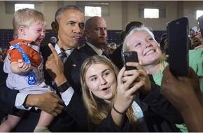 Cùng xem lại những bức ảnh selfie ấn tượng và nổi tiếng nhất năm 2016
