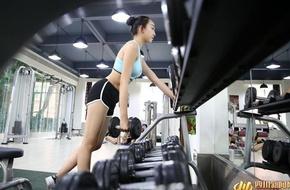 Chùm ảnh: Nữ sinh Học viện Hàng không (Trung Quốc) cực sexy trong phòng tập!