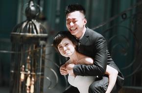 Ảnh cưới theo phong cách không tài nào đỡ nổi của cặp đôi 12 năm yêu nhau