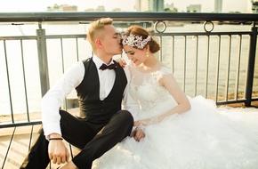 Cặp trai tài gái sắc chi 400 triệu sang Thái Lan, Hàn Quốc quay MV tình yêu
