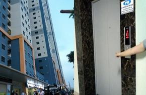 Hà Nội: Kẻ lạ mặt theo cô gái vào thang máy chung cư táo tợn xịt hơi cay