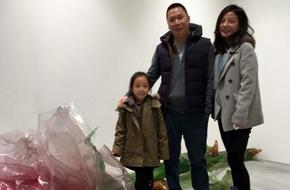 Triệu Vy hạnh phúc nhận 999 đóa hoa hồng từ chồng trong ngày sinh nhật