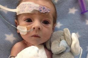 Nghị lực sống kỳ diệu của em bé có nửa trái tim