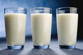 Cách chọn sữa tươi thanh trùng cho sức khỏe cả gia đình