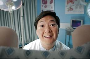 Bác sỹ 77 tuổi bị cáo buộc dùng tinh trùng của mình khiến ít nhất 8 bệnh nhân mang thai
