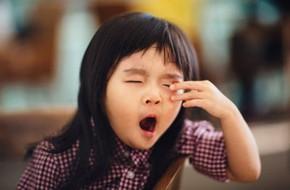 Bố mẹ cho con ngủ sai lầm thế này có thể khiến bé kém thông minh, mất 2 năm trí tuệ