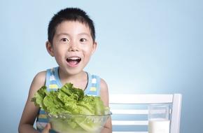 Chiến lược ăn uống thông minh bố mẹ nên áp dụng với con