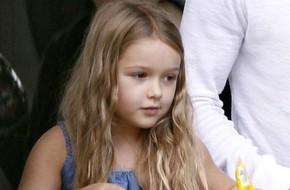 Công chúa tóc vàng Harper ngày càng ra dáng thiếu nữ