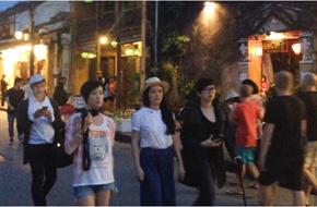 Xa Thi Mạn bí mật sang Việt Nam, đi chơi Hội An cùng Lý Nhã Kỳ