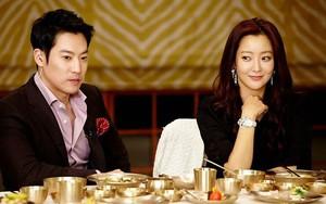 Kim Hee Sun tiết lộ màn chồng cô vạch áo khoe cơ bắp ngay trong ngày đầu gặp gỡ