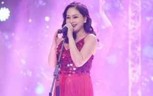Mặc bụng bầu 6 tháng, Lan Phương vẫn hát và khiêu vũ đầy nóng bỏng