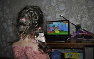 Mê làm nàng tiên, bé gái 5 tuổi nghe theo lời chỉ dẫn trên mạng và cái kết khiến bố mẹ thức tỉnh