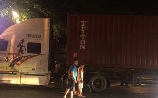 Va chạm với xe container, nữ sinh lớp 10 chết thảm