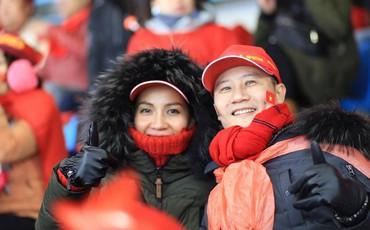 Hoàng Bách rơi nước mắt vì không thể ra Hà Nội xem chung kết ủng hộ đội tuyển Việt Nam