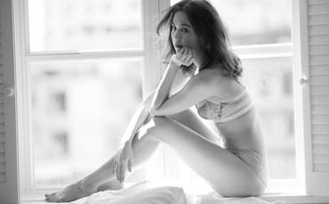 Sau bao ngày im ắng, Ngọc Trinh bất ngờ tái xuất với nội y khoe đường cong sexy