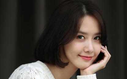 Tóc ngắn cùng kiểu trang điểm nhẹ nhàng, Yoona đã