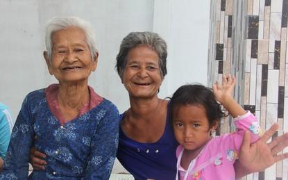 Không còn cảnh xin từng bữa cơm nuôi 4 người con tâm thần, người mẹ già 86 tuổi đã có một cuộc sống mới