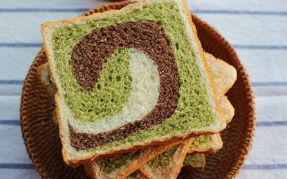 Trổ tài làm bánh sandwich 3 màu mềm thơm ngon khó cưỡng