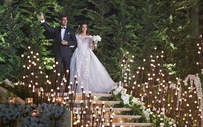 Hôn lễ bạc tỷ xa hoa không kém đám cưới hoàng gia của chú rể kiến trức sư chịu chơi