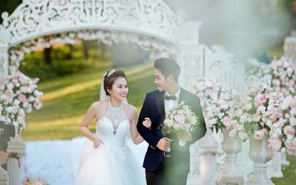 Sau lùm xùm ly hôn, vợ cũ em trai Đăng Khôi tung ảnh đám cưới ngọt ngào với trai trẻ kém tuổi