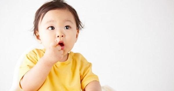 Đây là lý do tại sao mẹ nên cho bé ăn bốc thường xuyên hơn nữa