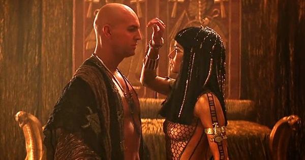 Thiên tình sử bất diệt giữa Nữ hoàng tham vọng nhất Ai Cập với vị dũng tướng La Mã si tình