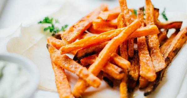Món ăn vặt mới toanh từ khoai lang đảm bảo khiến bạn ngất ngây ngay từ lần đầu