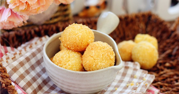 Mát trời tranh thủ làm bánh dừa giòn ngon thơm nức ai cũng mê