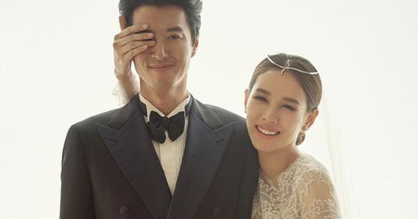 """Cặp đôi """"yêu nhanh cưới vội"""" Lee Dong Gun và Jo Yoon Hee tình tứ trong ảnh cưới"""