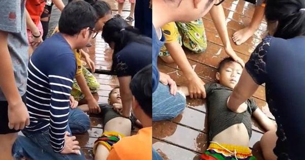 Thái Lan: Bé trai bị rơi xuống hồ nước tưởng chết đuối, bất ngờ điều kỳ diệu đã xảy ra