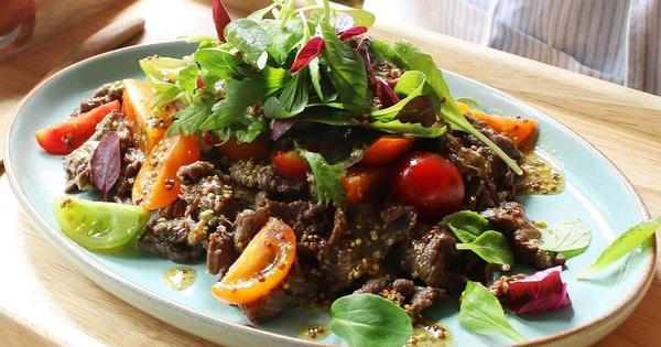 """Mâm cơm cuối tuần thêm """"sang"""" với salad thịt bò thanh mát"""