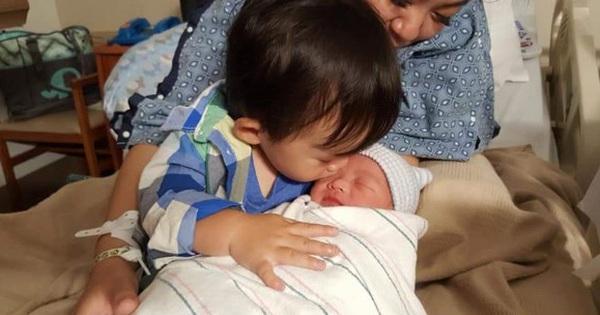 """""""Bé"""" Xuân Mai đã sinh con trai thứ 2 ở tuổi 23"""