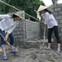 Thí sinh Hoa hậu Việt Nam phải tự tay xúc đất, chuyền gạch, trộn xi măng