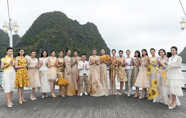 """Thiết kế dành cho Ngọc Trinh tại Cannes: Không """"độc"""" không ăn tiền"""