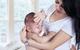 Mỗi khi bé khóc, hãy ôm con ngay vì những lý do này